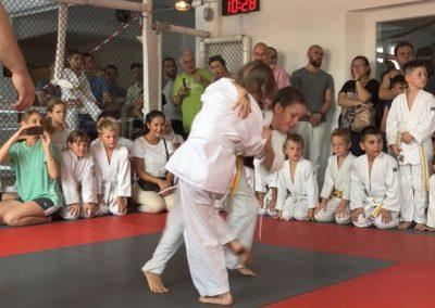 Bodenkampf-Kinder-Kampfsport-Selbstverteidigung-14