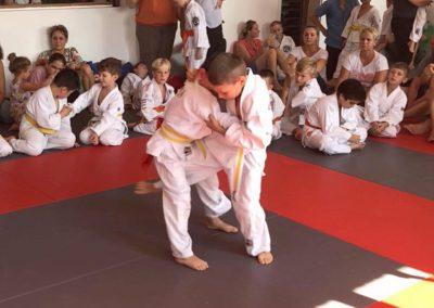 Bodenkampf-Kinder-Kampfsport-Selbstverteidigung-19