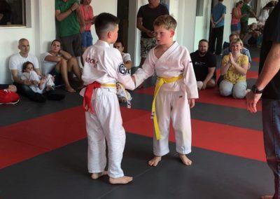Bodenkampf Kinder Kampfsport Selbstverteidigung 2