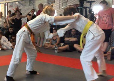Bodenkampf Kinder Kampfsport Selbstverteidigung 8